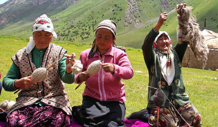 Festival-of-Traditional-Handicrafts-in-Kyrgyzstan