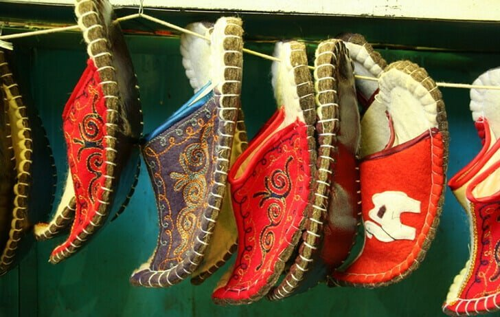 seven-steps-to-make-perfect-slippers-woolenstocks-1_1