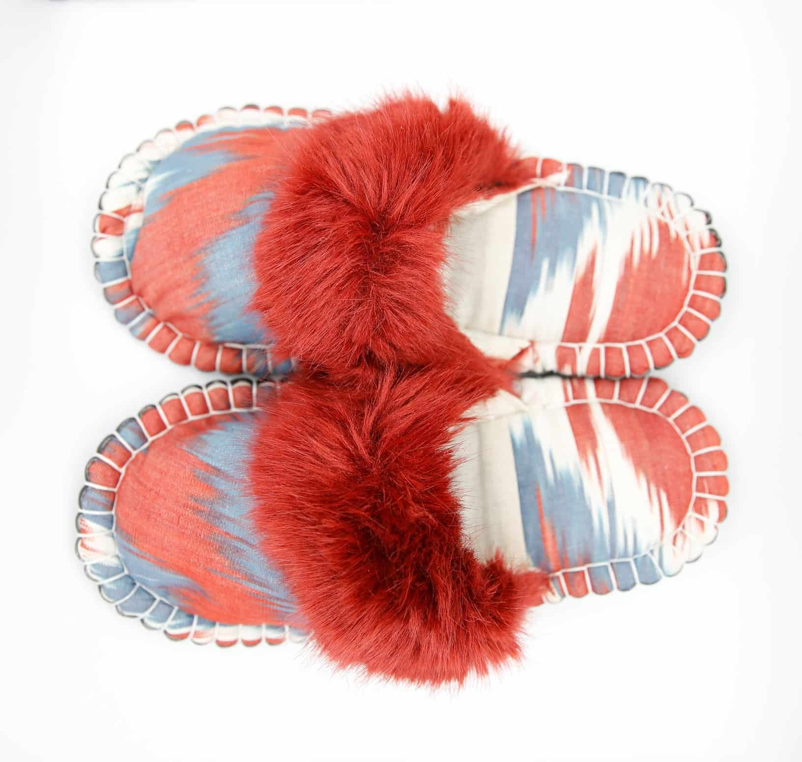 grey red ikat kosy slipper woolenstocks 01