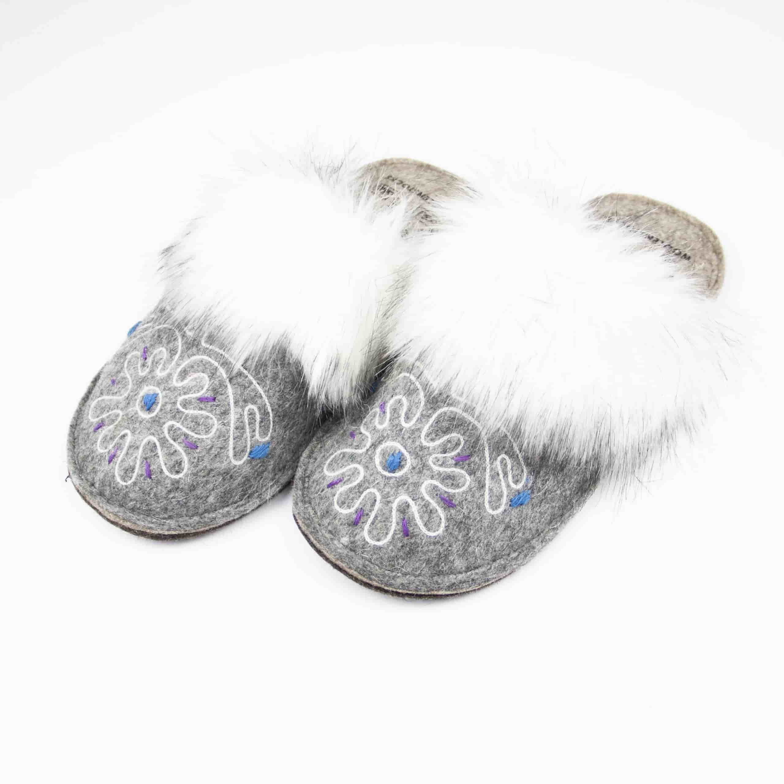 gray flower boo slipper woolenstocks 03