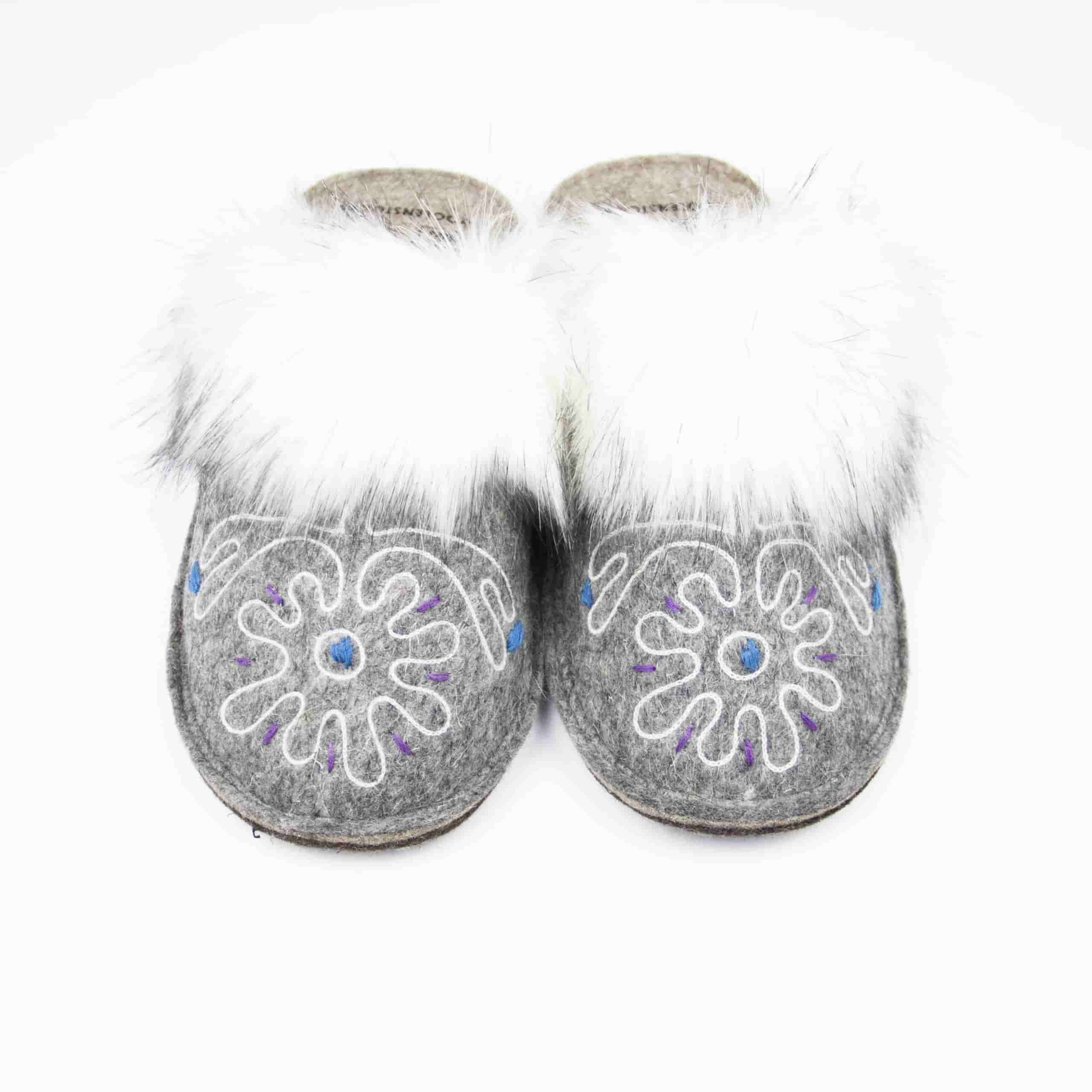 kosy gray flower slipper woolenstocks 02